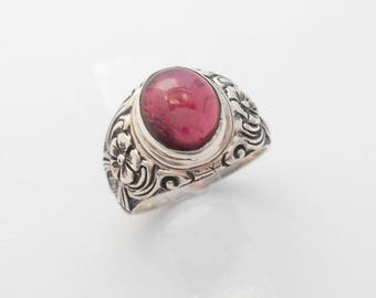 Balinese Silver sterling Garnet cabochon Ring /  size on request  / silver 925 / (#153r)