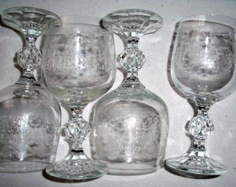 Cascade By Import Associates Set Of 4 Wine Glasses