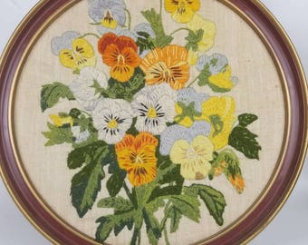 Vintage 1980s round floral crewel | embroidered embroidery wall hanging