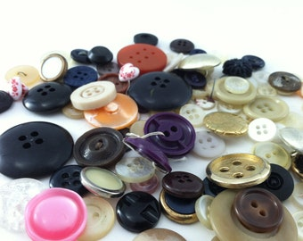 Vintage Mixed Buttons - 100 Pieces