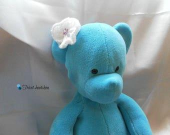 Handmade knitted white flower hair clip
