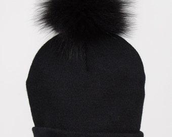 Genuine fox fur or finraccoon pompom winter tuque beanie