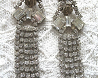 Vintage Rhinestone Dangle Earrings ~ Clip On ~ Crystal Rhinestones