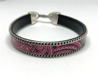 Pink leather bracelet with silver plated chain borders