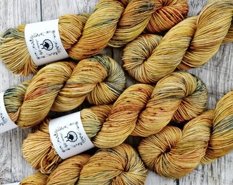 VERSATILE DK, Wheatfields, hand dyed yarn, hand painted yarn, sock yarn, knitting yarn, crochet yarn