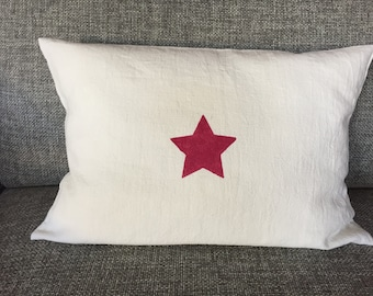 cushion 30 x 50 100% white linen Burgundy star