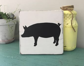 Pig Sign / Farmhouse Decor/ Kitchen Decor / Shabby Chic / Kitchen Sign /  Dining