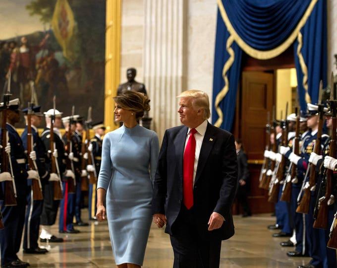 President Donald Trump & First Lady Melania Trump Walk in the Capitol Rotunda - 5X7, 8X10 or 11X14 Photo (ZY-738)