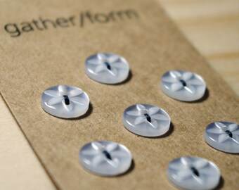 7pcs Small Plastic Flower Sewing Buttons / Beutron Buttons / 10mm