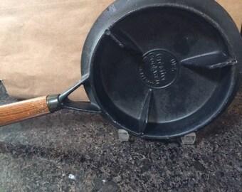 Vintage cast iron crepe maker