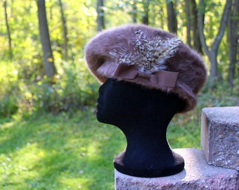 Kangol Furgora Tammy Beret Hat with Feathers - Taupe - One Size Fits Most - New with tags