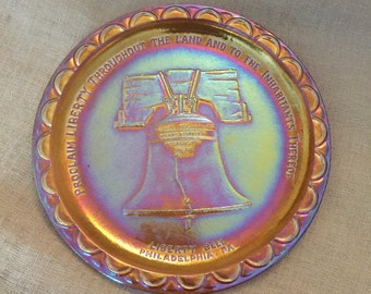 Liberty Bell Amber Carnival Glass Collectors plate MINT by Indiana Glass Co.