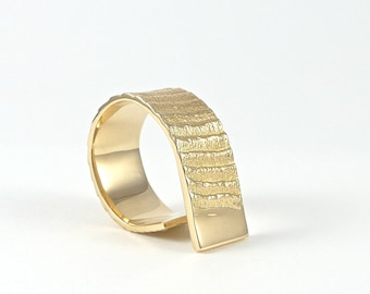Stairway to the moon, 14ct gold ring