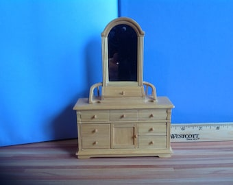 Dollhouse Bedroom Vanity