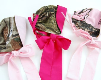 Handmade from Realtree Camo Girls Baby Bonnet. Mossy Oak Pink. Photo Prop. Hot pink.  Redneck baby shower. Mossy Oak Baby hat