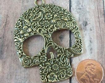 Skull Pendant Bronze Antiqued Gold Pewter Ornate Metal
