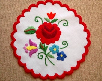 """Hand embroidered 6"""" Kalocsa doily, coaster, Hungarian table ornament"""