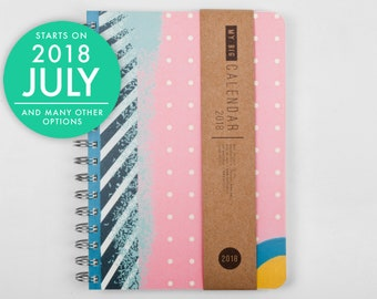 2018 2019 Planner with a high quality paper! Colorful pattern A5 Diary! Weekly Colours Calendar Calendario Kalender Agenda! Open-dated