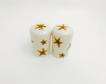 Starfish Salt and Pepper Shakers. Salt. Pepper. Starfish. Sea Star. Shell. Shakers. Condiment. Handmade by Sara Hunter