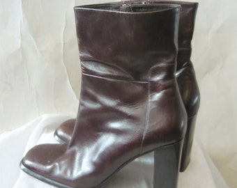 Vintage Via SPIGA Leather Ankle Boots / size 10 M Eur 42 UK 7 .5 /  Chocolate Brown Chunky High Heels / made Italy