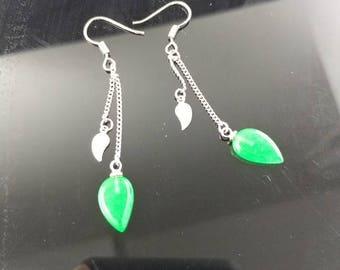 Apple green jade earring