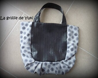 Gray pleated bag and imitation with holes with black floral lining