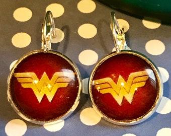 Wonder Woman cabachon earrings - 16mm