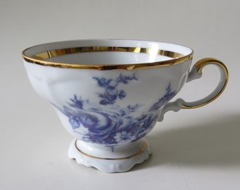 Pretty Vintage Blue and White Gloria Fine Porcelain Bavaria Bayreuth  tea cup with gold accents
