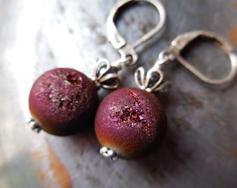 Pomegranate Druzy Agate earrings, wine red drusy quartz crystal Persephone earrings simple gem stone modern urban style orb flower earrings
