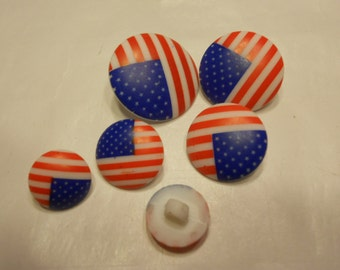 6 piece mix of American flag buttons, 13-23 mm (38)