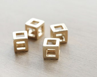 1 pcs of Geometric Cube 18k Gold Plated Zinc Alloy Pendants - 10 mm