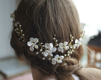Bridal hair accessories, bridal hairpiece, bridal hairvine, wedding, handmade, pearls, accessories, flowers, gold