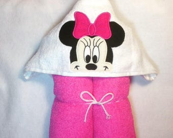 Girly Mouse Hooded Towel, Pink Mouse Hooded Towel, Mouse Towel, Kids Hooded Towel, Personalized Kids Towel, Character Hooded Towels