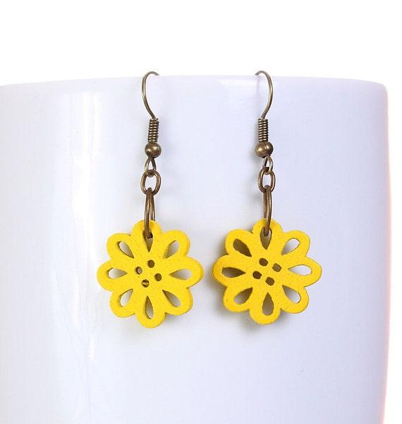 Sale Clearance 20% OFF - Yellow wood flower drop earrings (569)