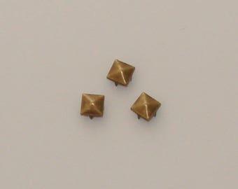 50 rivets studs square 9mm antique bronze - Ref: RC 563