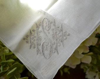 Vintage en lin et coton monogrammé de ' mouchoir en tissu, brodé de détails, Off White 3433