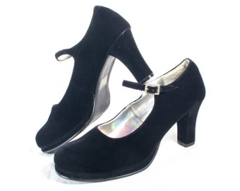 VTG 90's Goth Black Velvet Mary Janes size 8 1/2 Womens Chunky High Heels Pumps Strappy Rhinestones Witchy Retro