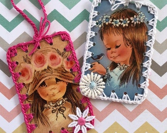 Vintage Crochet Playing Card Book Marks / Ornament - Big Eye Retro Mod Girls / Bird - Set of 2