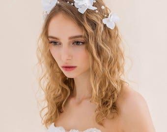 Wedding Hair Comb,bridal hair comb,rhinestone bridal hair comb,pearl wedding hair comb,flower girl hair comb,weave in bridal flower vine