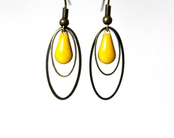 Yellow enameled Sequin earring