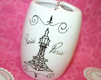 Paris themed bathroom accessories - Eiffel Tower Toothbrush Holder