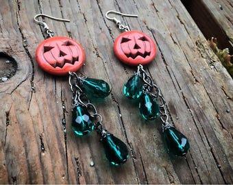 Pumpkin Patch Jack-O-lantern earrings in green, Pumpkin earrings, Halloween jewelry, Halloween gifts, Halloween earrings, Jack-O-Lanturn