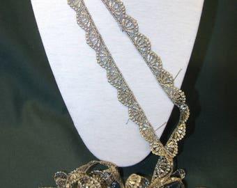 2.50 m gold lace