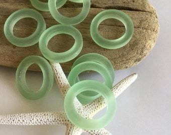 23 mm sea glass bead ring - beach glass round green connector pendant - bottle glass ring - Seaglass jewelry - beach glass tumbled donut