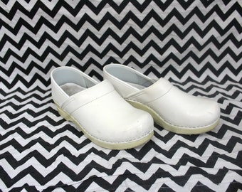 Vintage White Dansko Womens Clogs. Rare Retro 90s White Size 7 White Dansko Waitress Bartender Boho White Clog Shoes. Chunky White Clogs 38