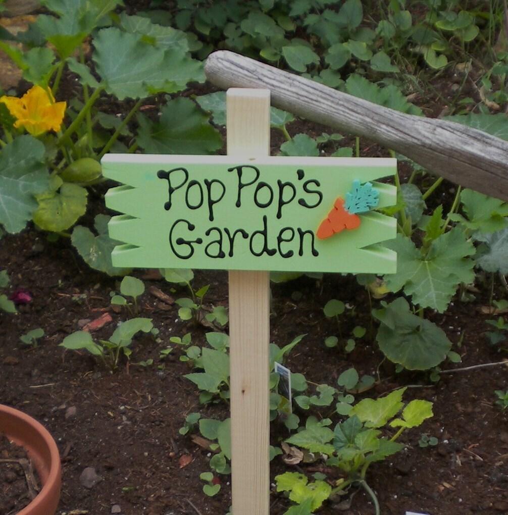 Small Yard Sign 40 Pop Pop\'s Garden