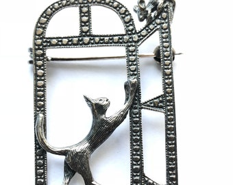 Vintage Sterling Silver Cat and Mouse Brooch