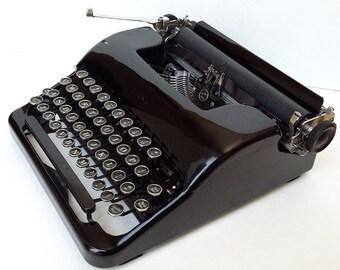 BARGIN PRICED! Corona Portable Manual Typewriter - Glossy Black!