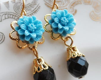 75% Off Price Sale, Turquoise Blue, Mum Flower, Gold Tone Filigree, Czech Glass Bead