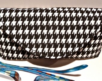 Houndstooth - Eyeglass Case - Sunglass Case - Magnetic - Black and White